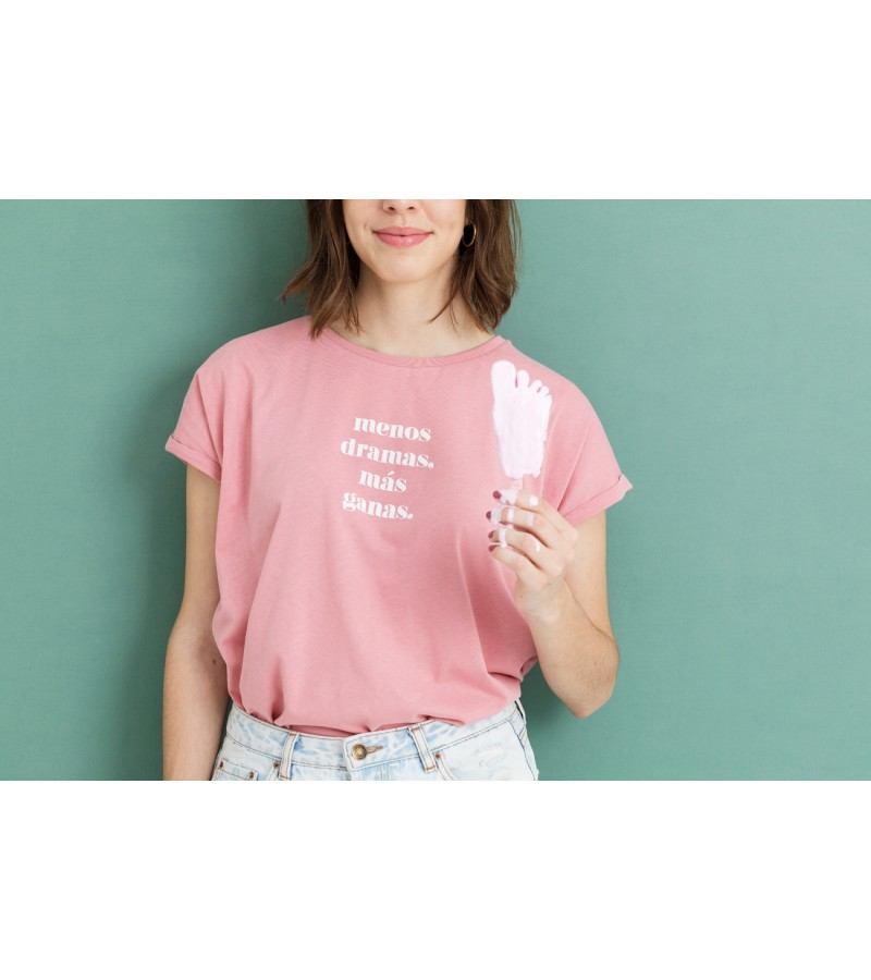 "Camiseta ""Menos dramas, más ganas"""