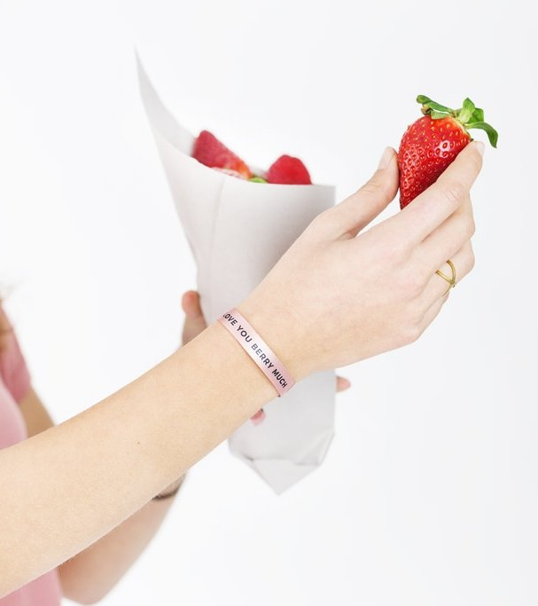 """Pulsera """"Love you berry much"""""""