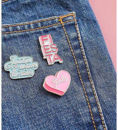 """Kit Pins """"Juntas somos lo más"""""""
