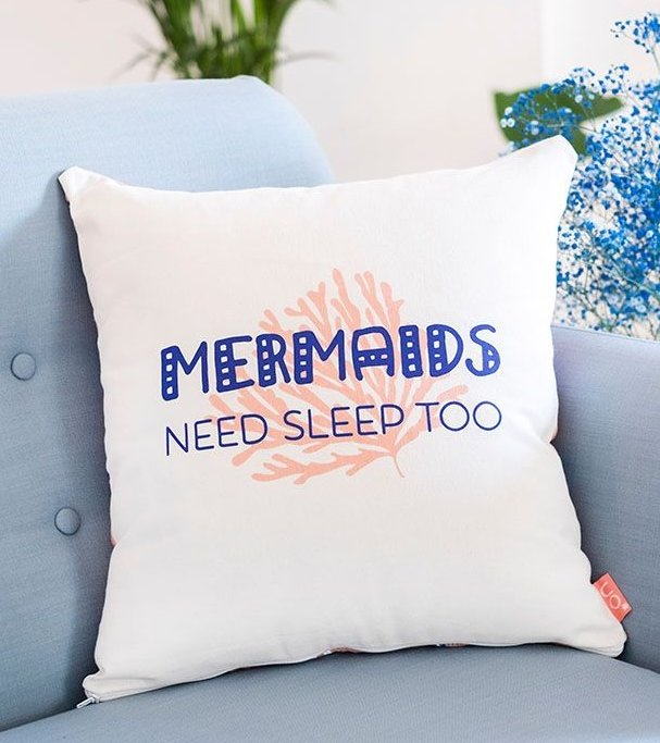 "Funda cojín ""Mermaids need sleep too"""